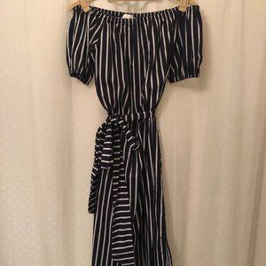 Dresses & Skirts - Off the shoulder dress with belt.